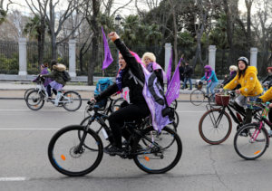 """Ημέρα της Γυναίκας: """"Βούλιαξε"""" η Ισπανία από γυναίκες! [pics]"""