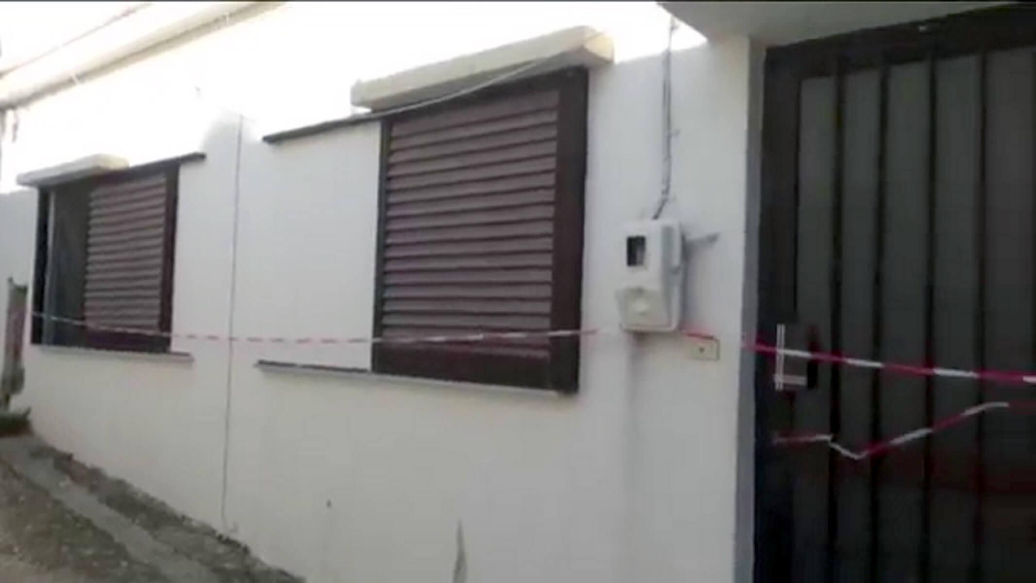 Αυτό είναι το σπίτι της τραγωδίας στην Κρήτη - Για ανθρωποκτονία από πρόθεση διώκεται ο 36χρονος σύζυγος