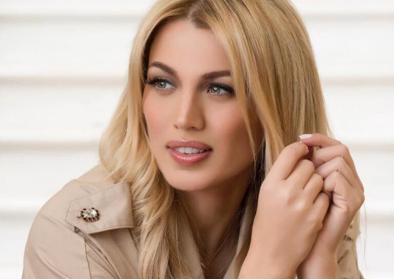 H Κωνσταντίνα Σπυροπούλου απάντησε σε follower για το ρετούς στις φωτογραφίες της!