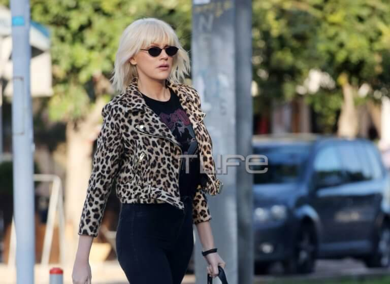 Σάσα Σταμάτη: Βόλτα στην Γλυφάδα με casual look! [pics]