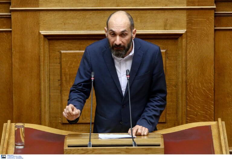 Βουλευτής ΣΥΡΙΖΑ: «Επικίνδυνη αυθαιρεσία» ο σταυρός στην ακτή Απελή στη Λέσβο | Newsit.gr