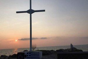 Λέσβος: Τοποθέτησαν νέο σταυρό στην Απελή – Ένταση και 33 συλλήψεις