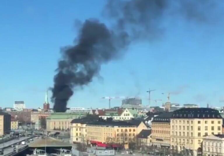 Μεγάλη έκρηξη στη Στοκχόλμη! Πυκνοί καπνοί καλύπτουν την πόλη!