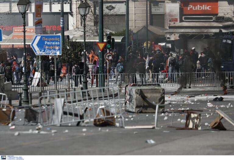 Σύνταγμα: Πεδίο μάχης για… τα μάτια του Χόλυγουντ! video, pics | Newsit.gr