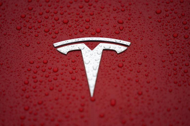 """""""Σακατεμένοι"""" οι υπάλληλοι της Tesla! Τι συμβαίνει με τις άδειές τους;"""