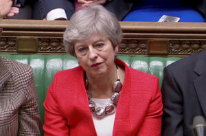 Brexit: Απελπισμένη η Μέι μετά την νέα «σφαλιάρα»