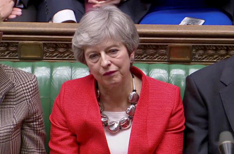"Brexit: Απελπισμένη η Μέι μετά την νέα ""σφαλιάρα"""