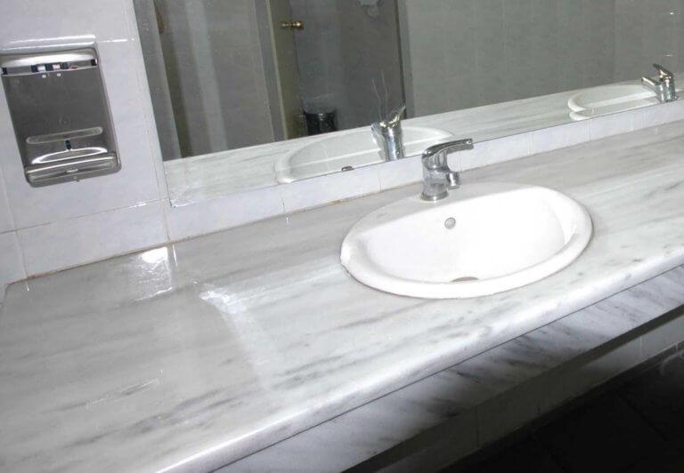 Ηράκλειο: Το κλάμα του παιδιού στην τουαλέτα έκρυβε μια απίστευτη αλήθεια – Άφωνοι από τις εικόνες!