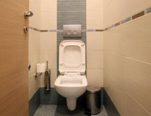 Κρήτη: 10 μήνες φυλάκιση στον πατέρα που κλείδωσε το παιδί στην τουαλέτα!