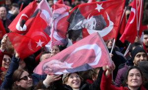 Τουρκία: Ψηφίζουν 57 εκατ. πολίτες με «άρωμα»…  οικονομικής κατάρρευσης