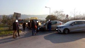 Θεσσαλονίκη: Καραμπόλα με σχολικό λεωφορείο – Αυτοψία στο σημείο του τροχαίου στην Πολίχνη [pics]