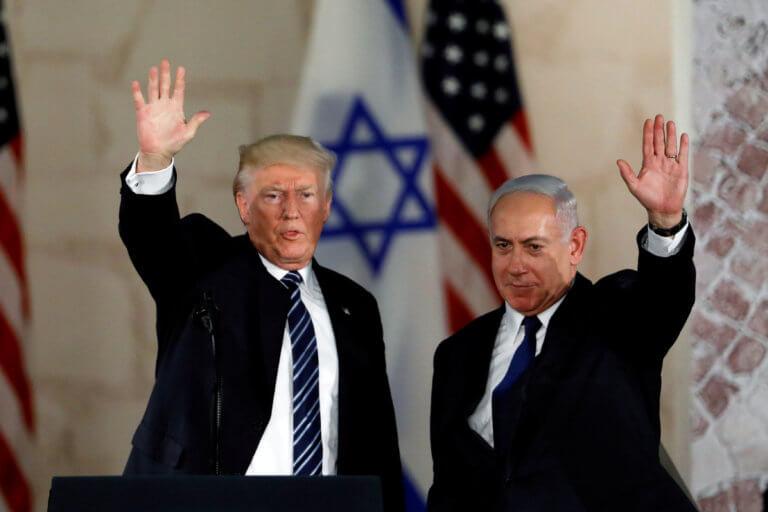 Τραμπ: Υπογράφει και αναγνωρίζει την ισραηλινή κυριαρχία στο Γκολάν!