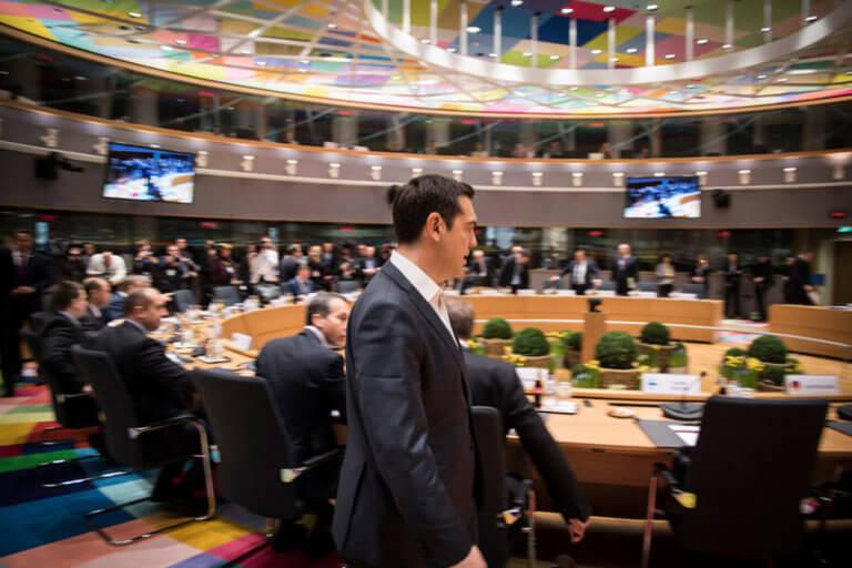 Νόμος Κατσέλη: Πολιτική λύση ψάχνει στις Βρυξέλλες ο Τσίπρας