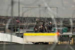Οι ΗΠΑ φακέλωναν τους δημοσιογράφους που κάλυπταν το καραβάνι μεταναστών