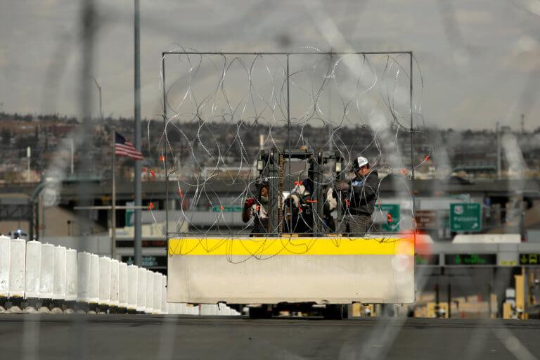 Οι ΗΠΑ φακέλωναν τους δημοσιογράφους που κάλυπταν το καραβάνι μεταναστών | Newsit.gr