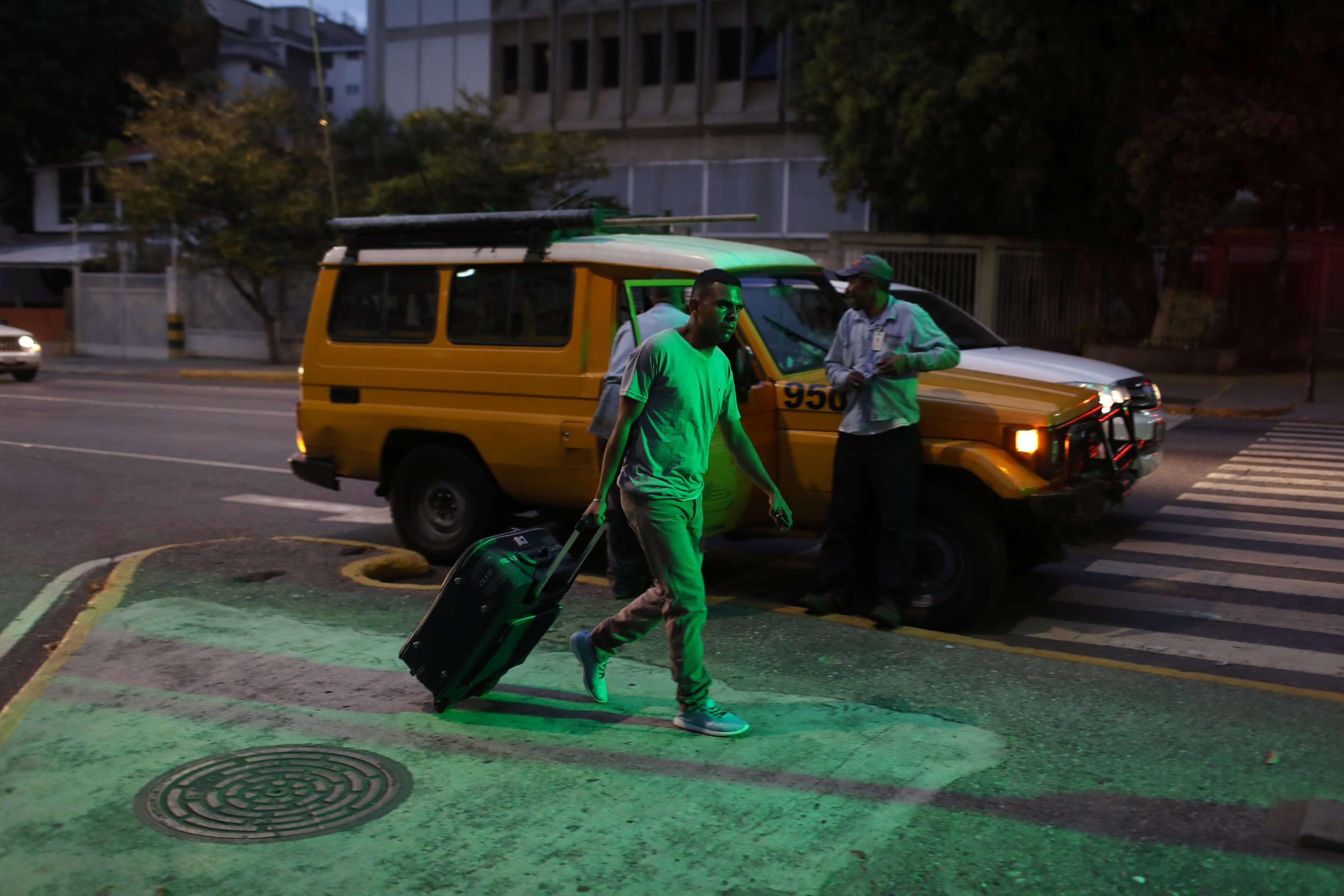 """Βενεζουέλα: """"Σκούπα"""" των Αμερικανών στην πρεσβεία τους στο Καράκας"""