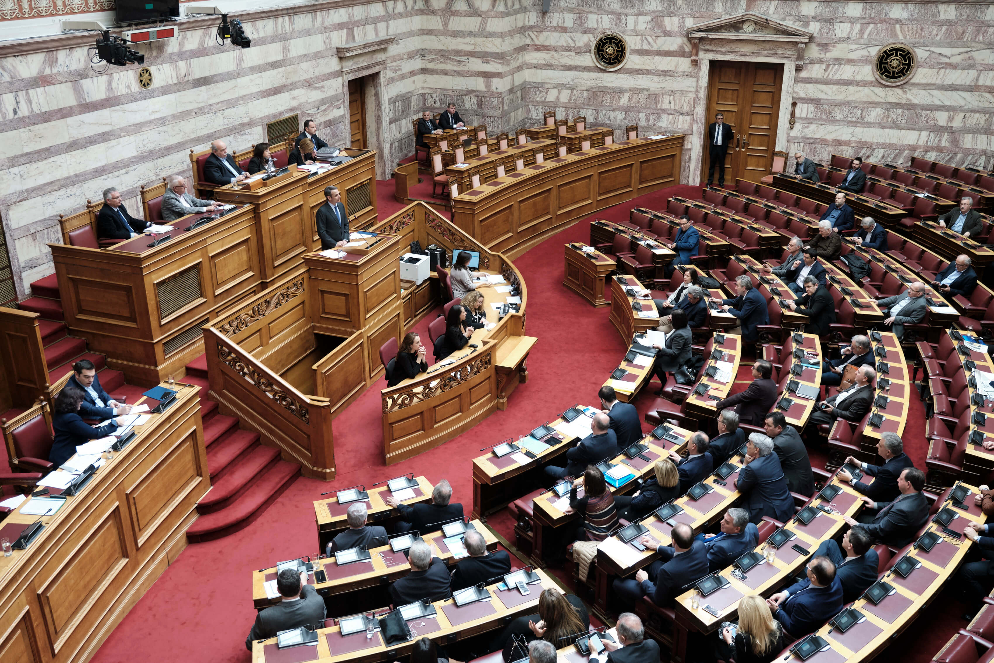 Ψηφοφορία για τις υπό αναθεώρηση διατάξεις