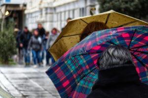 Καιρός: Ομπρέλες η… επιστροφή – Που θα βρέξει σήμερα