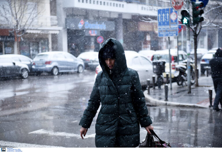 Καιρός: Κρύο, προβλήματα και κλειστά σχολεία