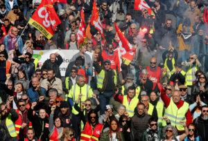 Κίτρινα Γιλέκα – Μακρόν όπως Ερντογάν: Όποιος θα διαδηλώνει θα συλλαμβάνεται