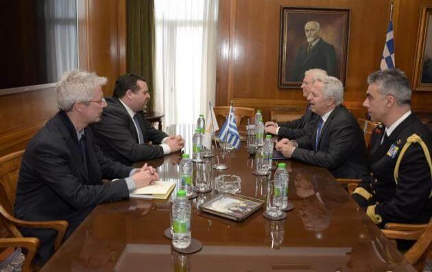 Τετ-α-τετ Αποστολάκη με τον πρέσβη της Κύπρου εν μέσω εξελίξεων με Τουρκία και EastMed [pics]