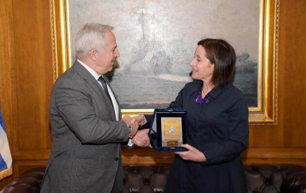 Σημαντικό τετ-α-τετ του ΥΕΘΑ Αποστολάκη με την πρέσβη του Ισραήλ [pics]   Newsit.gr