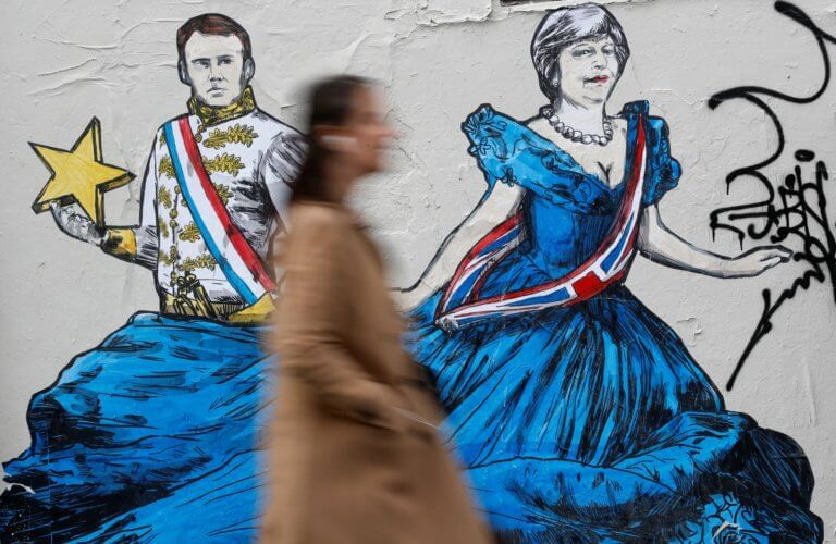 Brexit – Τερέζα Μέι: Όρισε ημερομηνία ευρωεκλογών αλλά εύχεται να μην γίνουν!