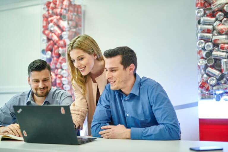 Rise ως την κορυφή με έναν από τους καλύτερους εργοδότες για τη νέα γενιά, την Coca-Cola Τρία Έψιλον