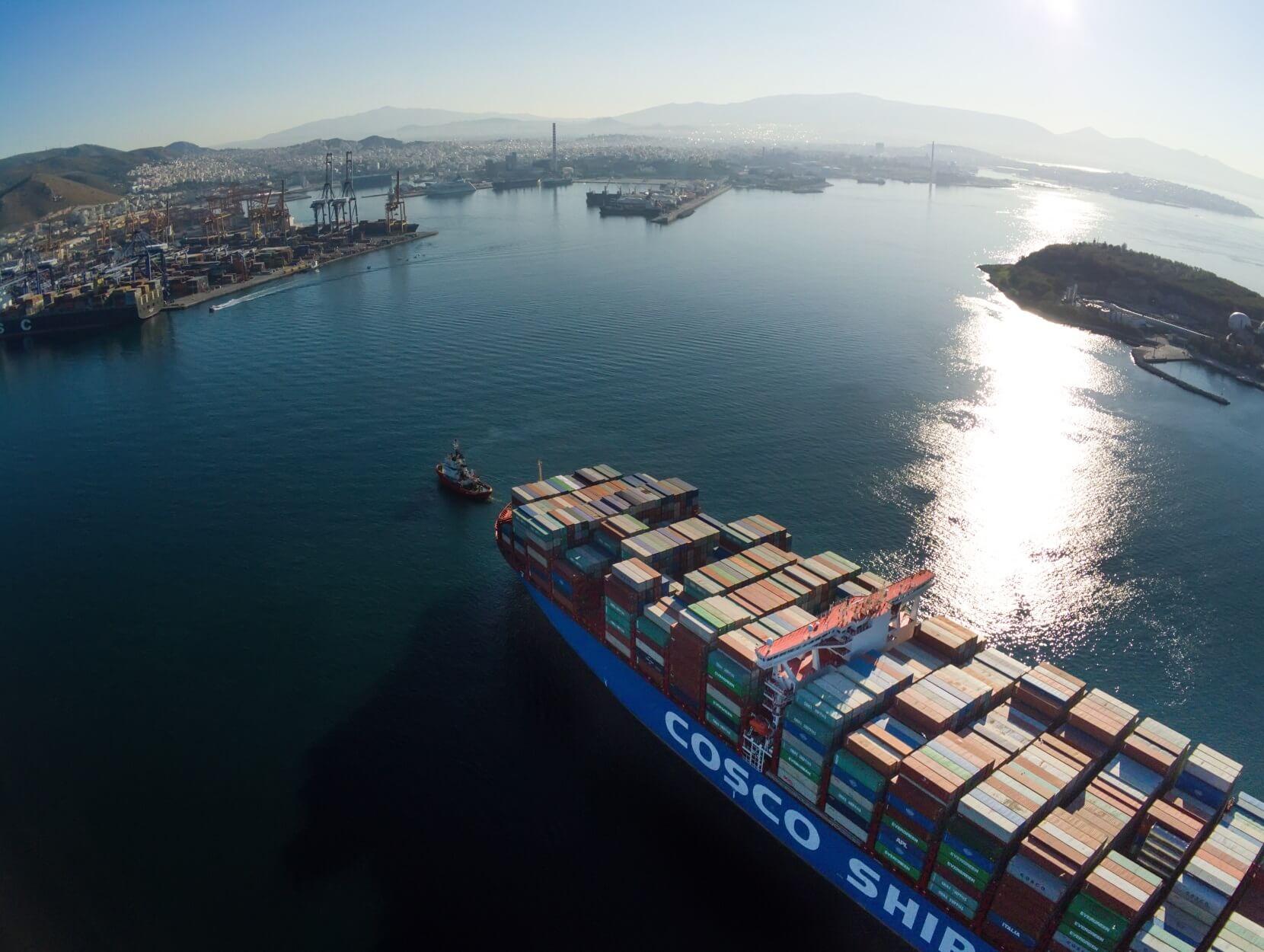 Frankfurter Rundschau: Πειραιάς, το κεφάλι του Κινέζικου δράκου στην Ευρώπη