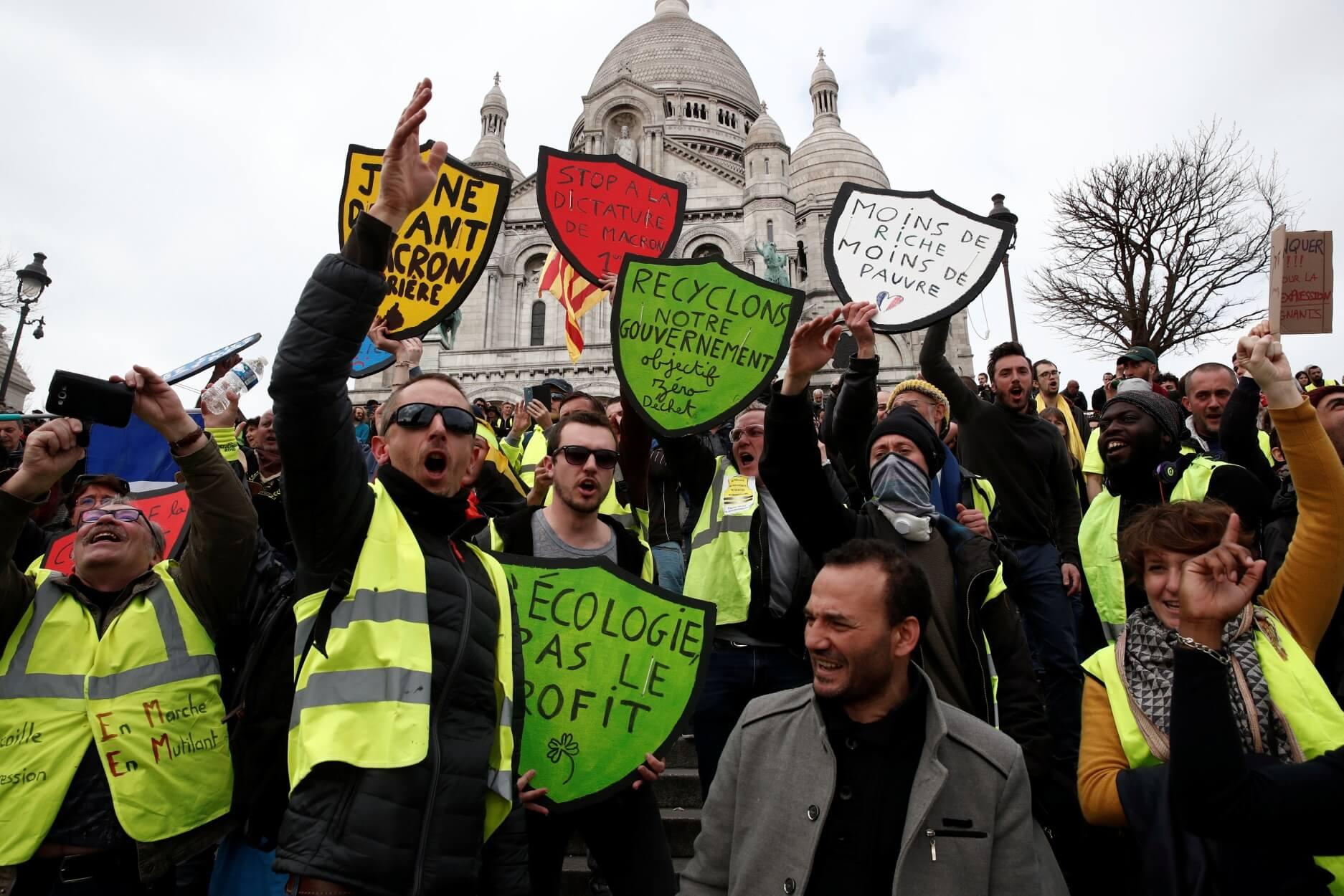 """Παναγία των Παρισίων: Συναγερμός από συγκεντρώσεις """"κίτρινων γιλέκων"""" κοντά στον καμένο καθεδρικό!"""