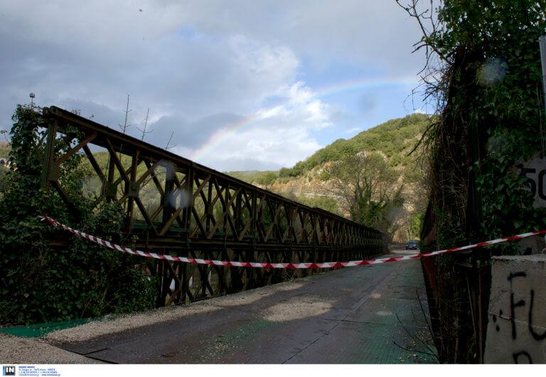 Βόλος: 13χρονη πήδηξε από γέφυρα για να αυτοκτονήσει!