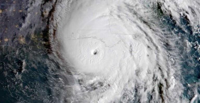 Φλόριντα: Σαρώθηκε από τον τυφώνα «Μάικλ», τον ισχυρότερο στις ΗΠΑ από το 1992!