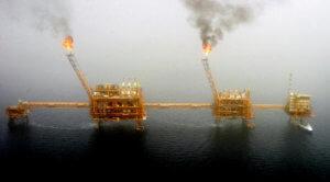 Ο Τραμπ απειλεί με κυρώσεις 7 χώρες και την Ελλάδα, αν πάρουν πετρέλαιο από το Ιράν
