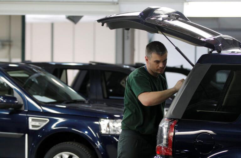 Προσωρινό «λουκέτο» στην Jaguar Land Rover λόγω Brexit!