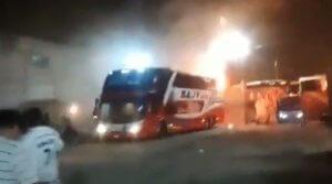 Σκηνές φρίκης σε φλεγόμενο λεωφορείο – 20 νεκροί! [video]