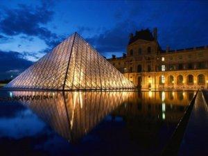 """Λούβρος: Το κρυμμένο """"Μυστικό της Μεγάλης Πυραμίδας""""!"""