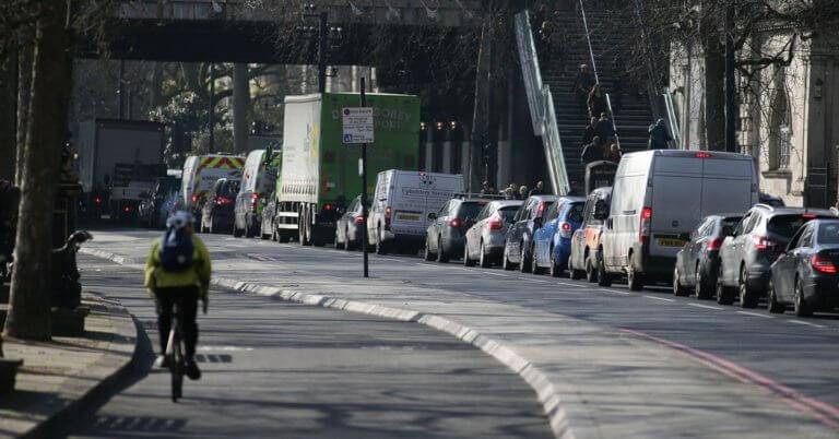 Ποια ευρωπαϊκή πόλη βάζει διόδια για τα παλιά αυτοκίνητα;