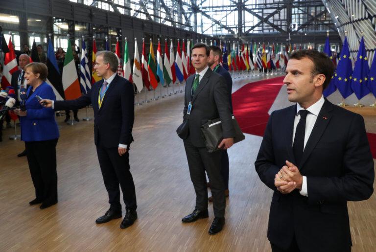 Μακρόν για Brexit: Τίποτα δεν είναι δεδομένο