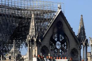 Παναγία των Παρισίων: «Ο κόσμος είναι σήμερα τραυματισμένος» – Μήνυμα του Οικουμενικού Πατριάρχη