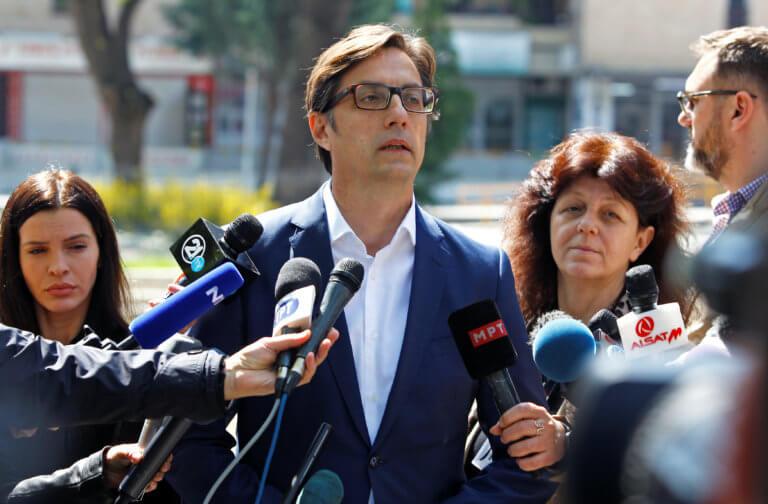 Βόρεια Μακεδονία – Εκλογές: Μικρό προβάδισμα για τον Στέβο Πενταρόφσκι