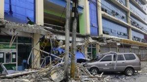 Σοκ και δέος! Φωτογραφίες και βίντεο από τα φονικά 6,3 Ρίχτερ στις Φιλιππίνες