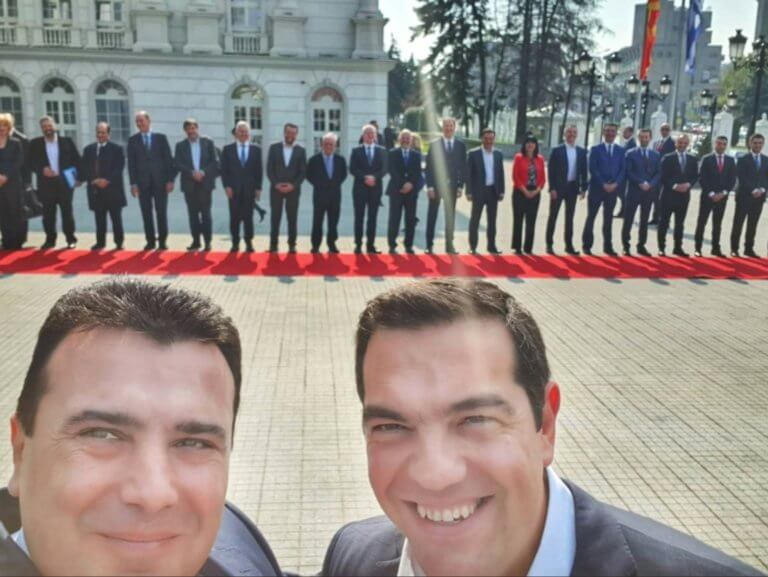 Ανέβασε την selfie με τον Τσίπρα ο Ζάεφ