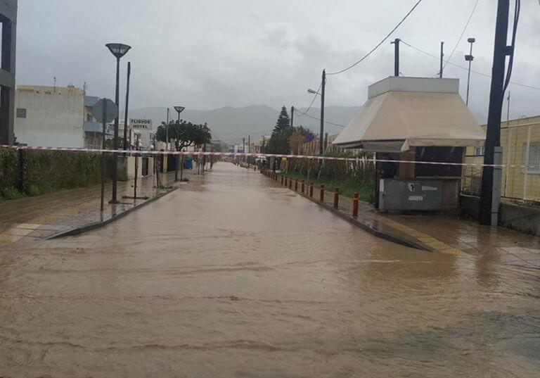 Καιρός: Τρεις δήμοι της Κρήτης σε κατάσταση έκτακτης ανάγκης