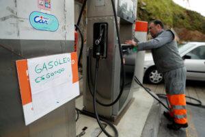 Πορτογαλία: Ουρές στα βενζινάδικα – Απεργούν οι οδηγοί βυτιοφόρων