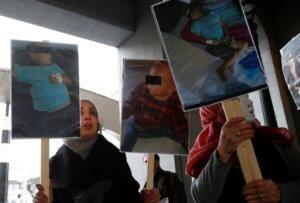 Συρία: Τουλάχιστον 22 άμαχοι – τα 8 παιδιά – σκοτώθηκαν σε βομβαρδισμούς του Άσαντ!