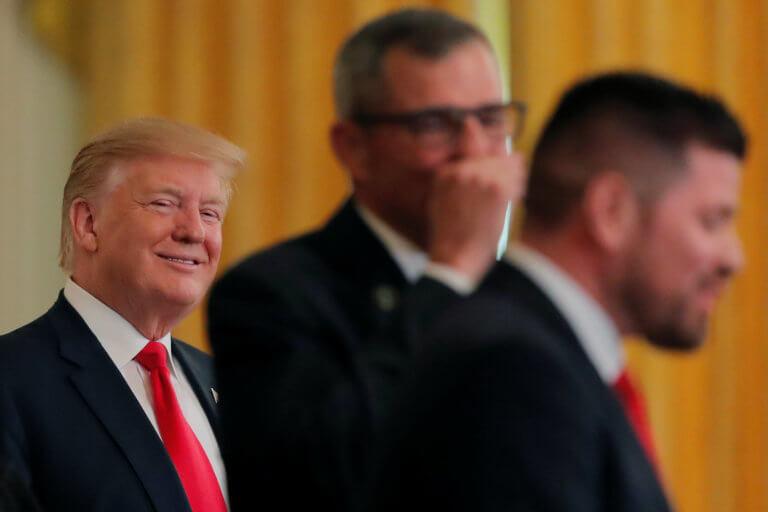 Πανηγυρίζει ο Τραμπ μετά τη δημοσιοποίηση της έκθεσης Μάλερ