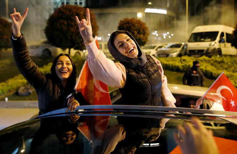 Εκλογικό «πραξικόπημα» στην Τουρκία – Καθαιρούνται δήμαρχοι παρά την εκλογή τους!