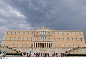 Bloomberg: Η Ελλάδα δεν κατέρρευσε, παρά τις αντίθετες προβλέψεις