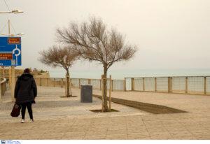 Καιρός: Η Ελλάδα «χάθηκε» στην αφρικανική σκόνη – Που θα είναι έντονο το φαινόμενο