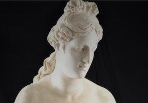 Ένα άγνωστο άγαλμα της Αφροδίτης αναδύεται από τις αποθήκες – Οι εικόνες που εντυπωσιάζουν